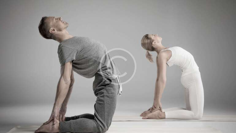 Back stretches you can do at your desk